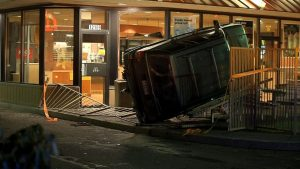 Read more about the article SUV Crashes Into McDonalds… Flips On It's Side… Driver Runs Away In Portland