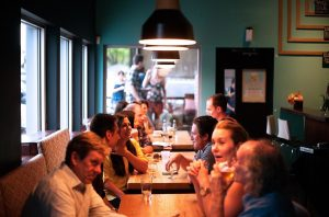 Read more about the article The Beaver State Area  Reopen Indoor Dining Starting Friday